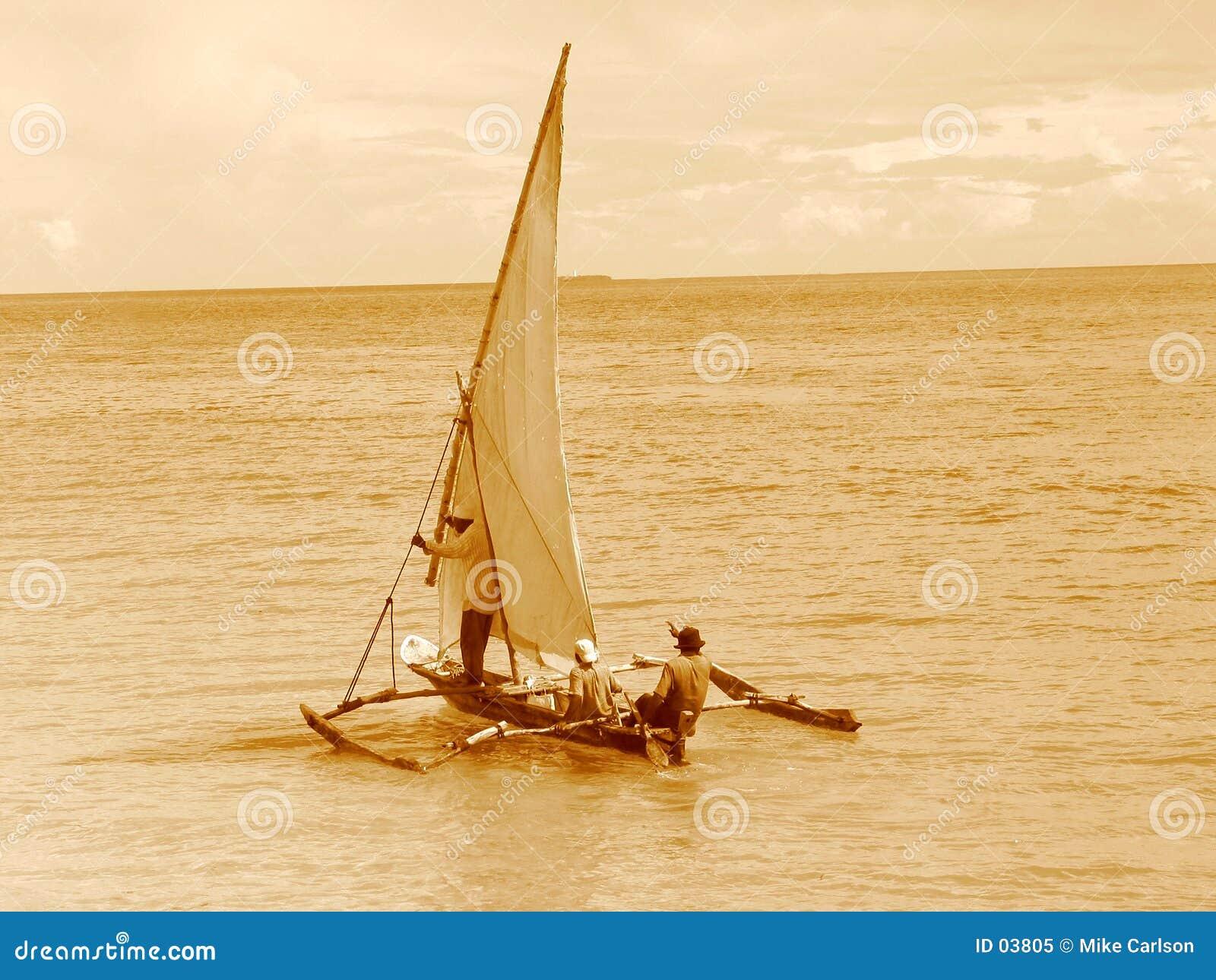 Navegación del viejo estilo en un Dhow