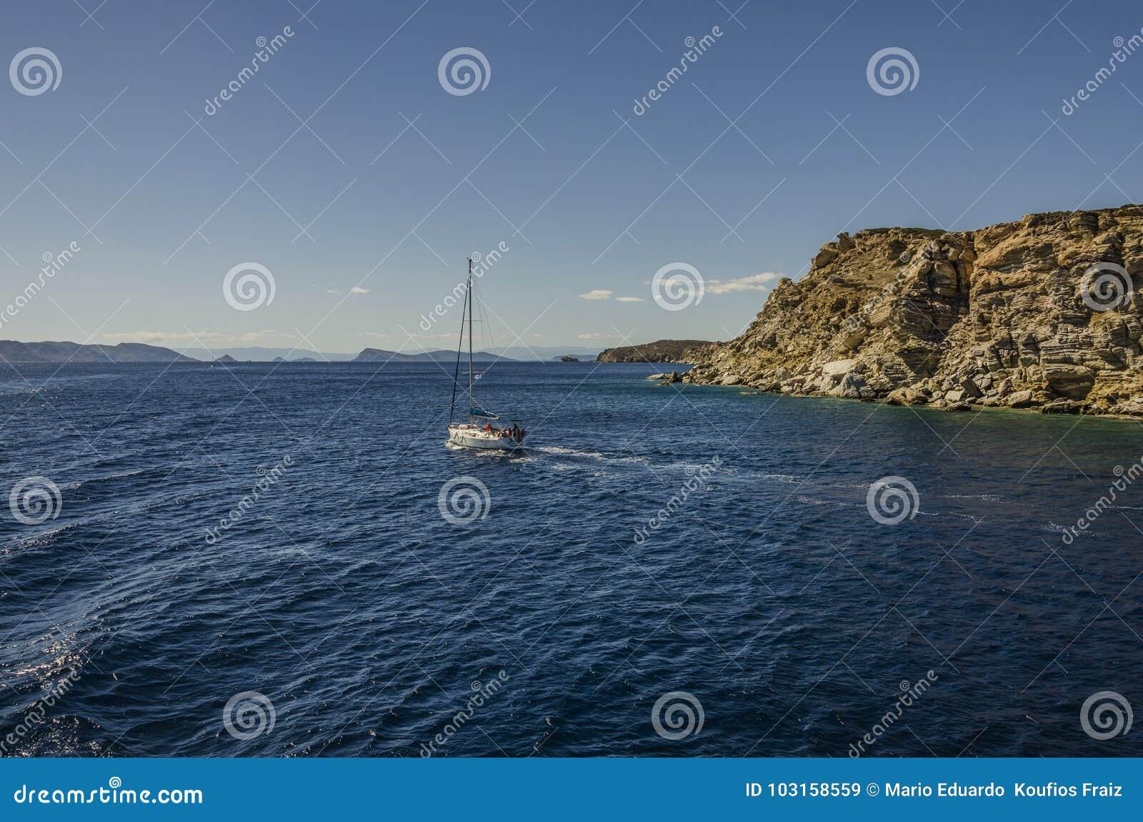 Navigando nel mare saronic