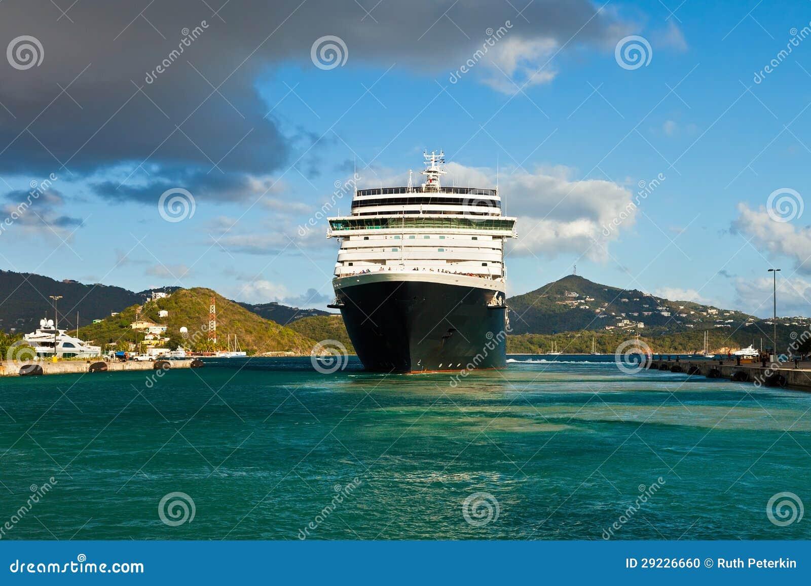 Download Navio De Cruzeiros Em St Thomas Foto de Stock - Imagem de luxo, águas: 29226660