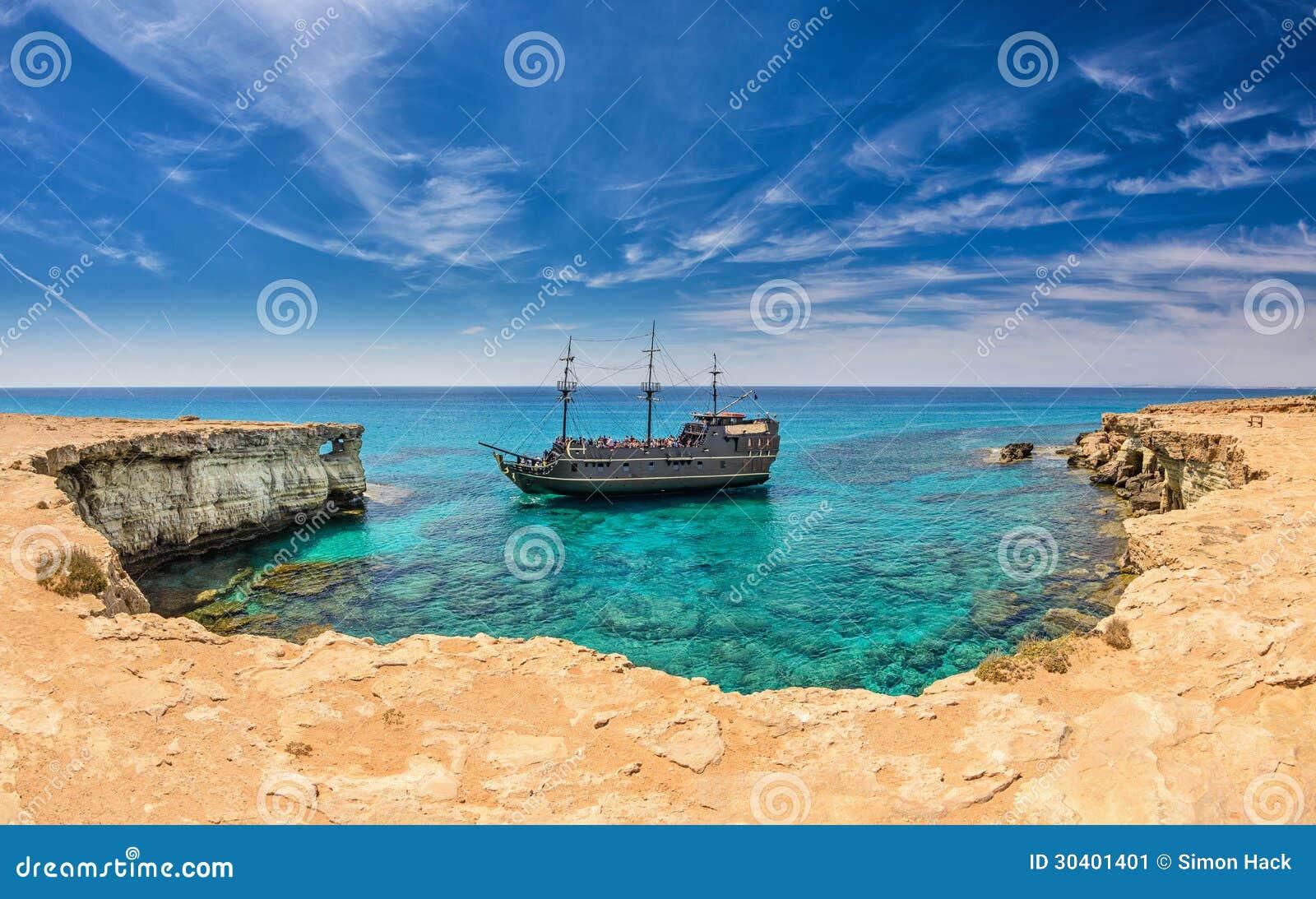 Navio de pirata, Ayia Napa, Chipre