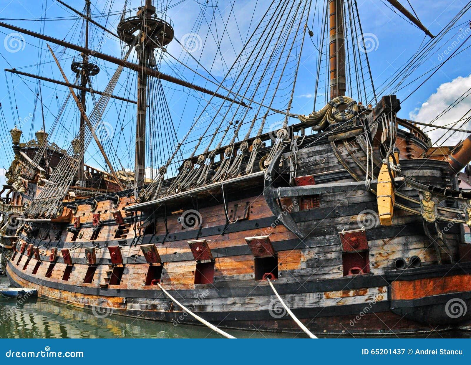 Navio de pirata velho
