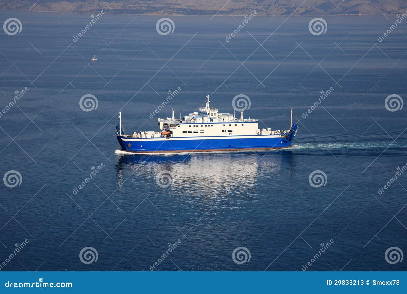 Navio na água