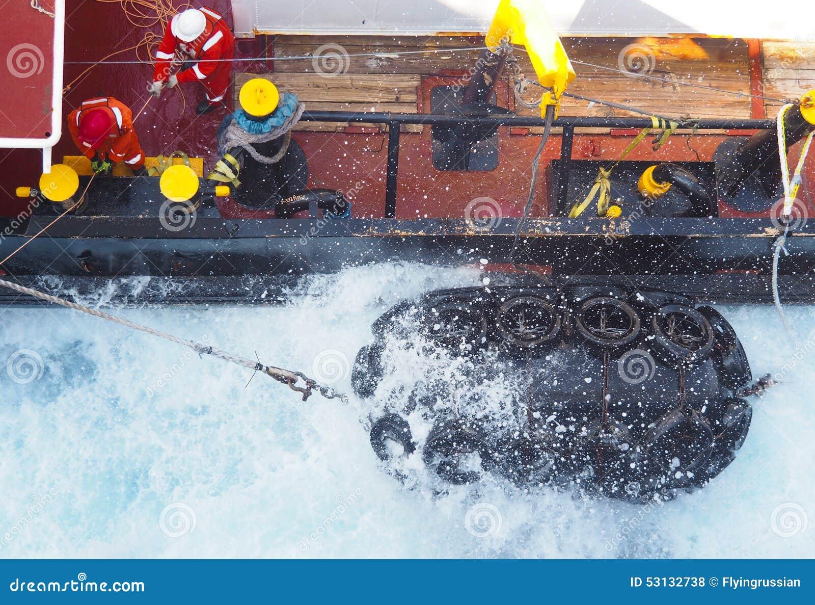 Navios ou barcos sísmicos no mar no Golfo do México, indústria petroleira