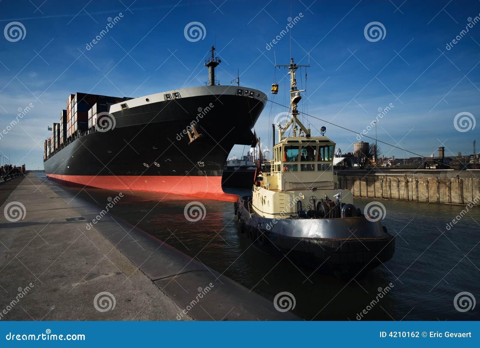 Navire porte conteneurs photographie stock image 4210162 for Porte conteneur