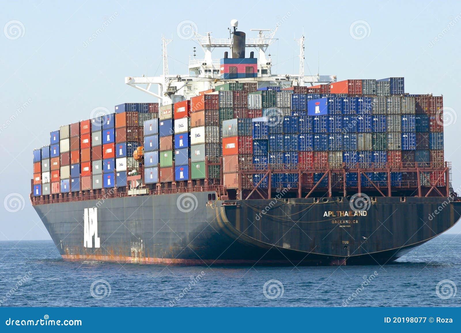 Navire porte conteneurs de cargaison photographie for Porte conteneur