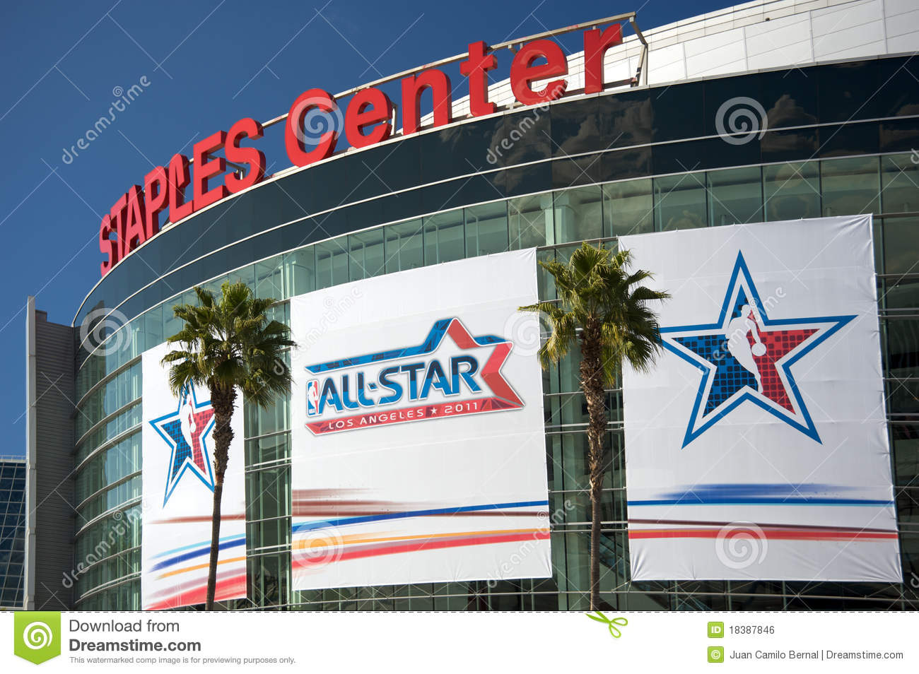 Nba all star game at the staples center editorial photo for Staples bernal
