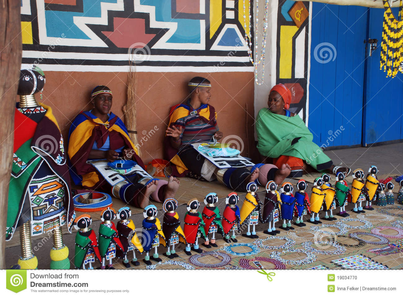 Ndebele Women In Traditional Dress South Africa