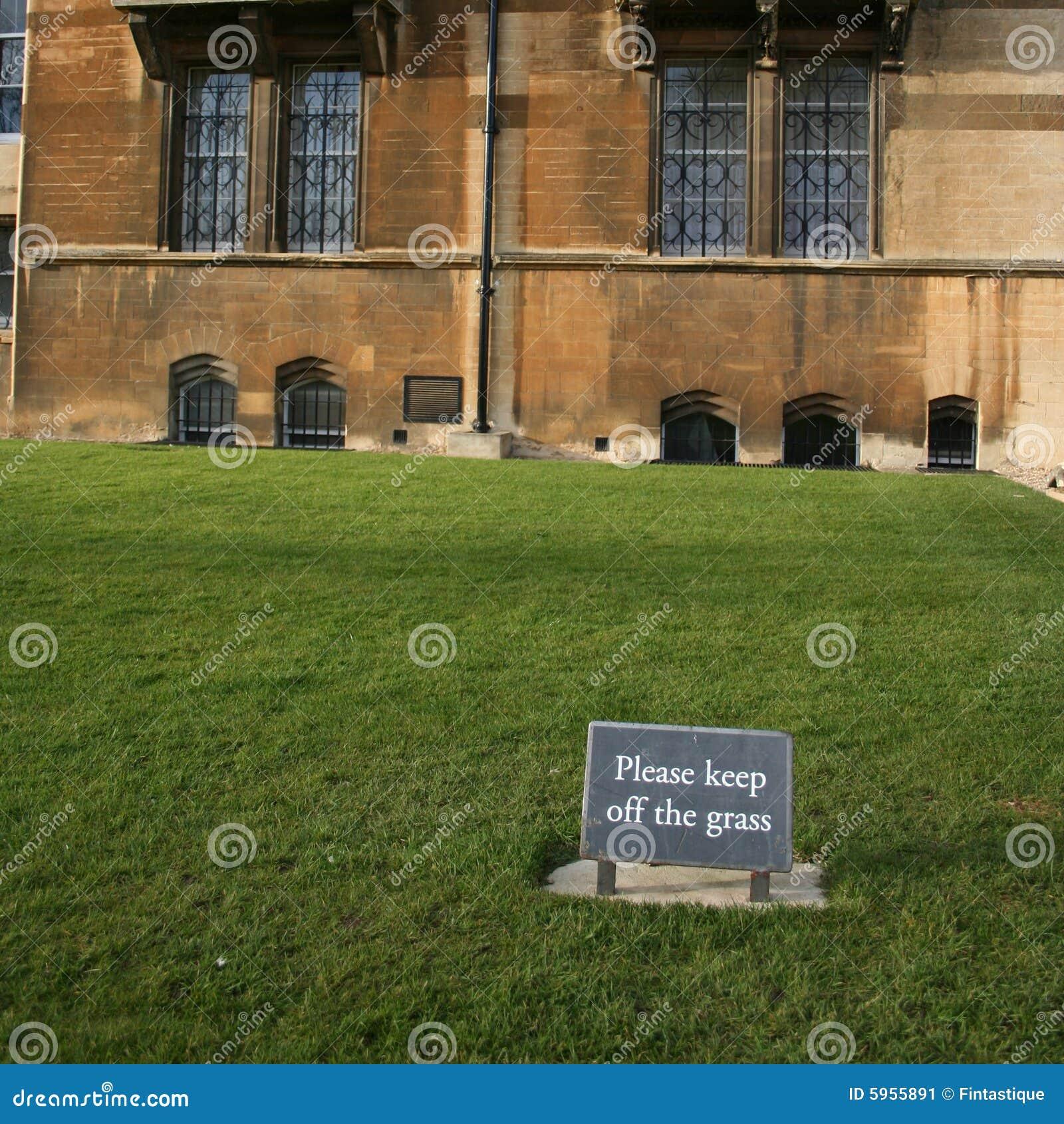 Ne marchez pas sur le signe d herbe