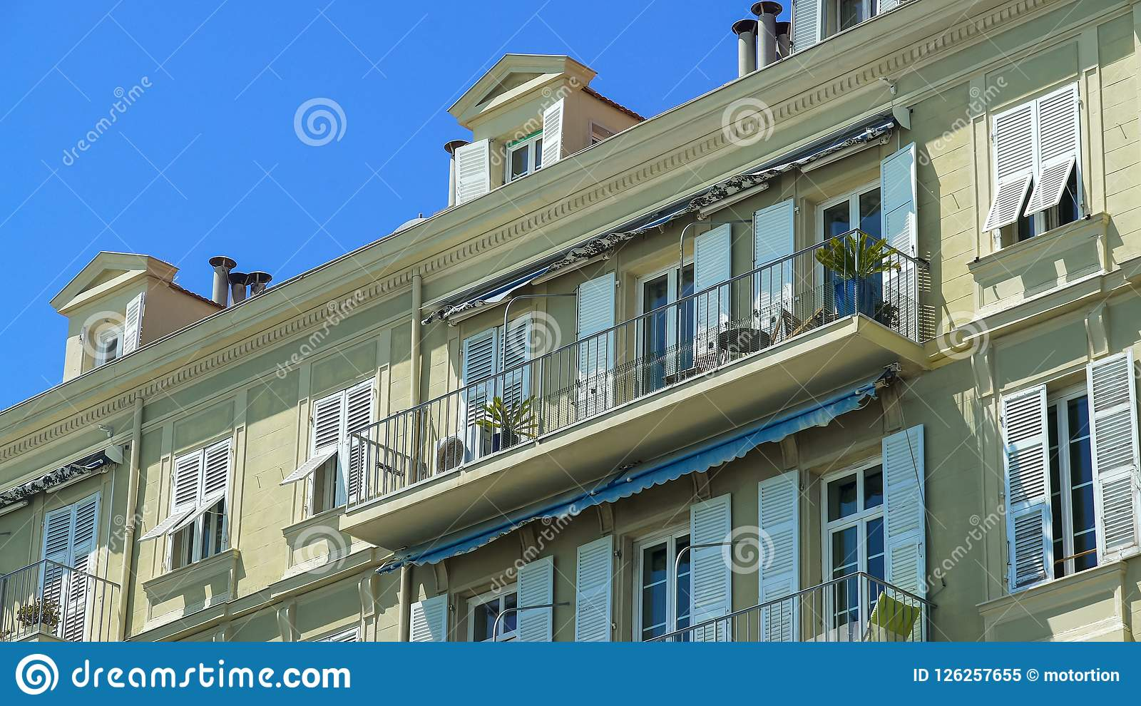 Neat building, hotel in tropical country, rent of apartment, residential area