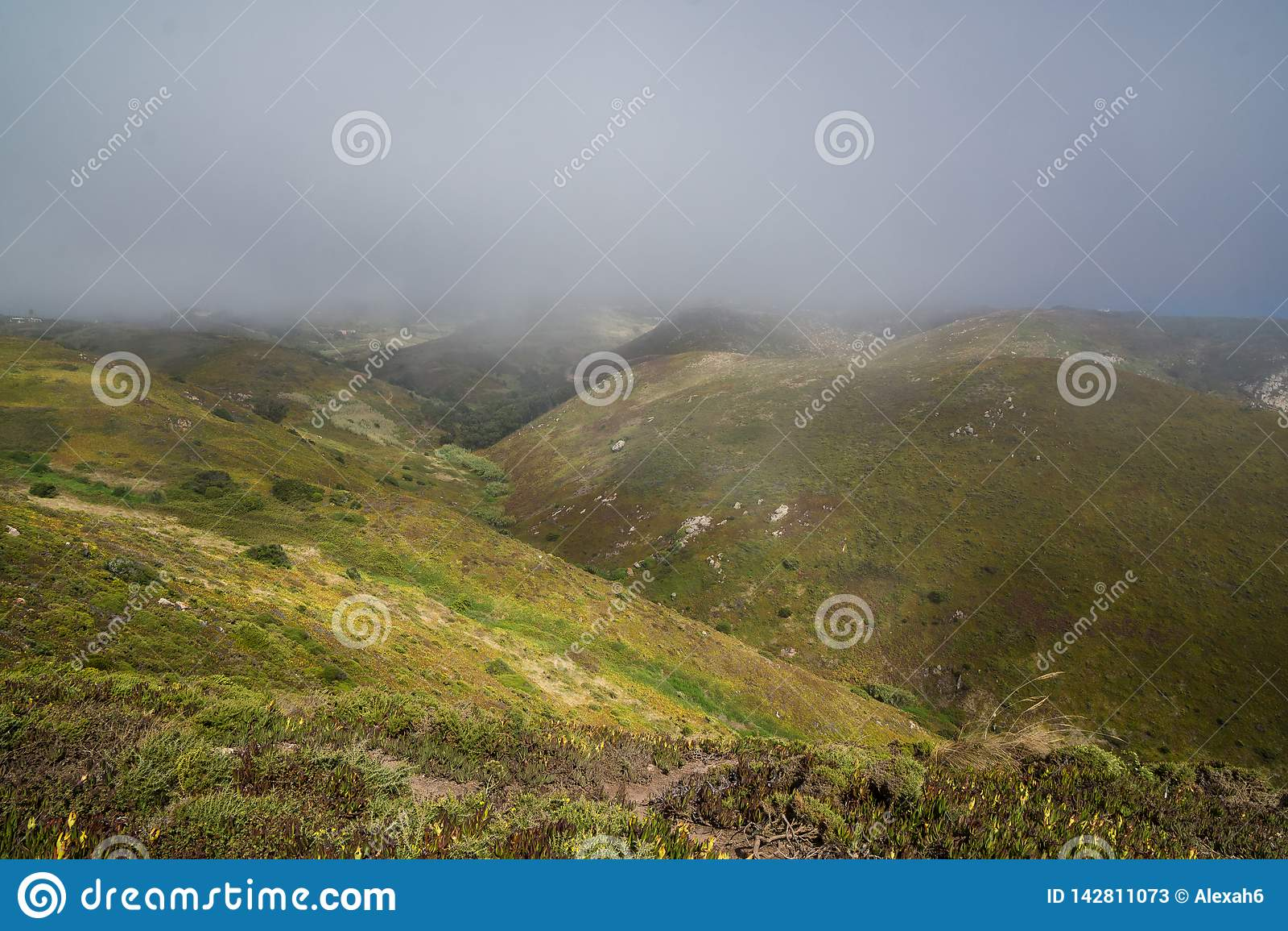 Nebelige Hügel nahe Cabo de Roca