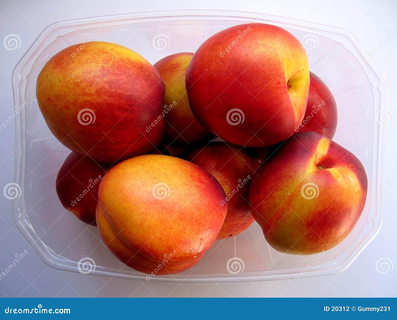 Nectarine Pummet
