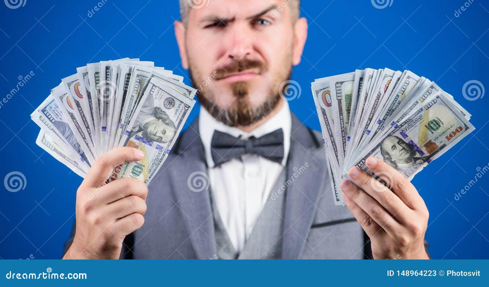 Neem mijn geld Aanwinsten echt geld Rijkdom en welzijnsconcept De zaken van de contant geldtransactie Gemakkelijke contant geldle