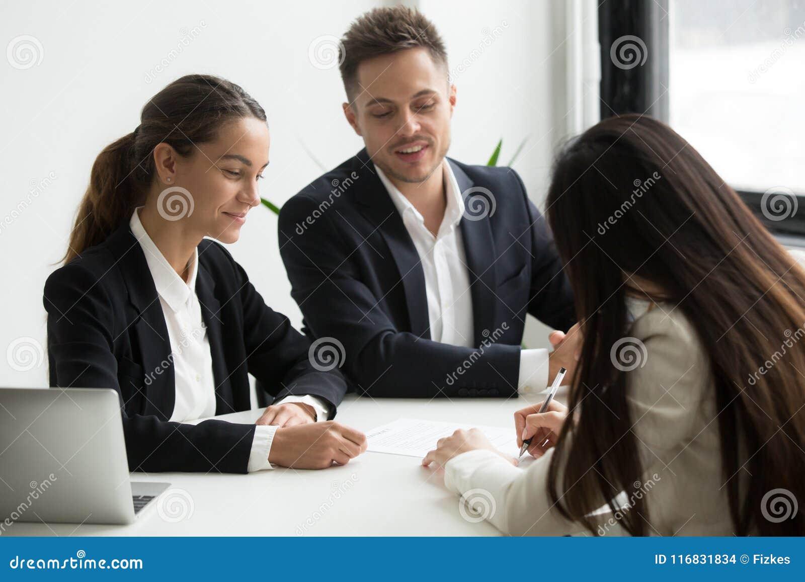 Negócio do closing do candidato de trabalho com empregadores potenciais