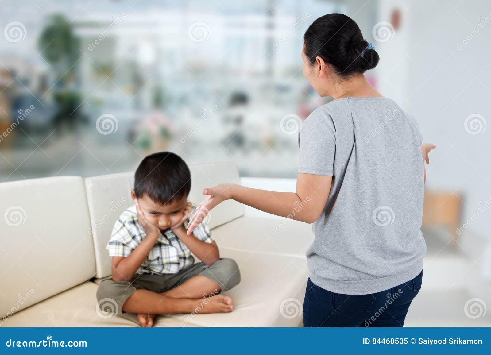 Negatywny emocja rodzic