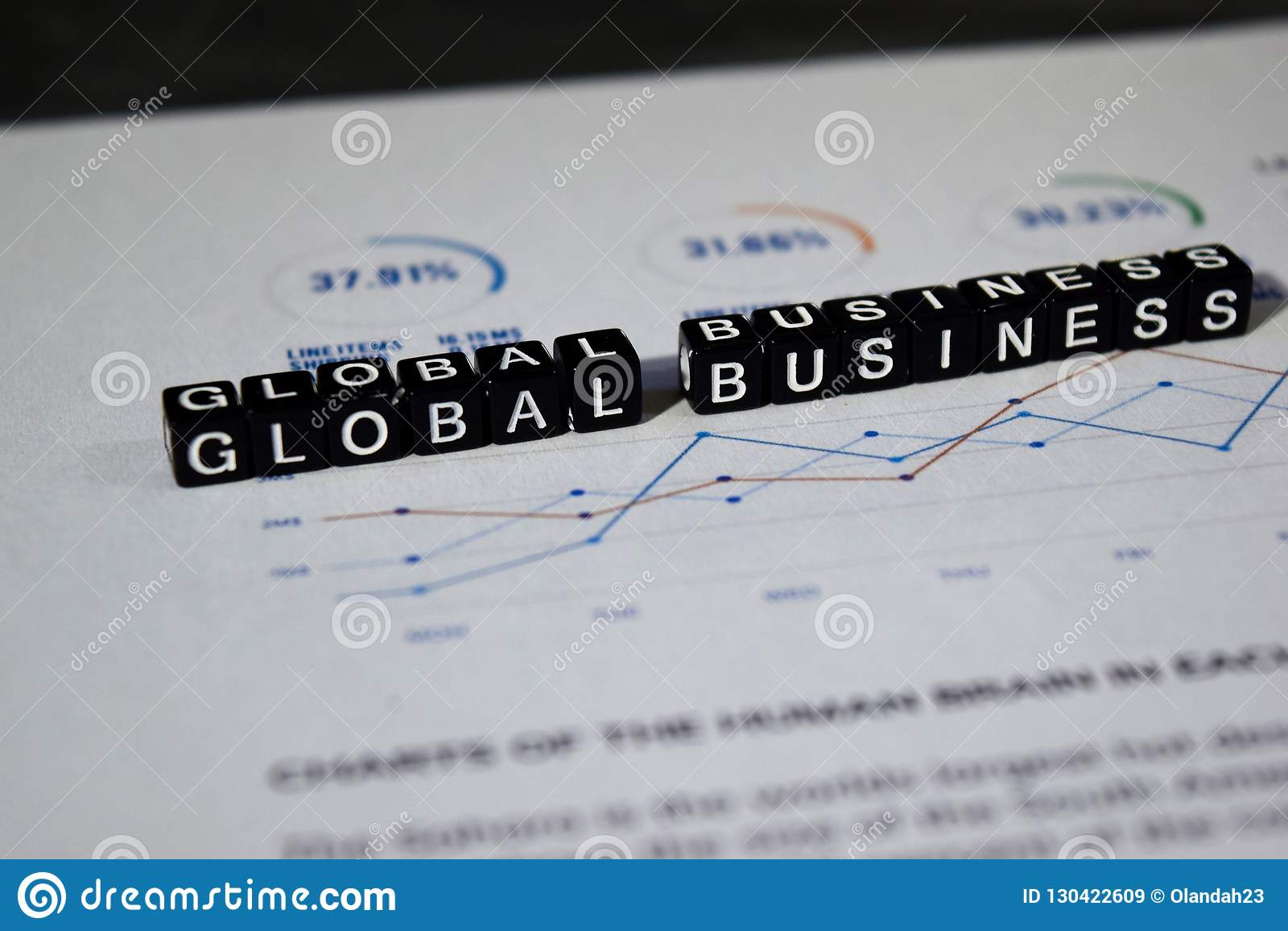 Negocio global en bloques de madera Oportunidad International Concept del crecimiento