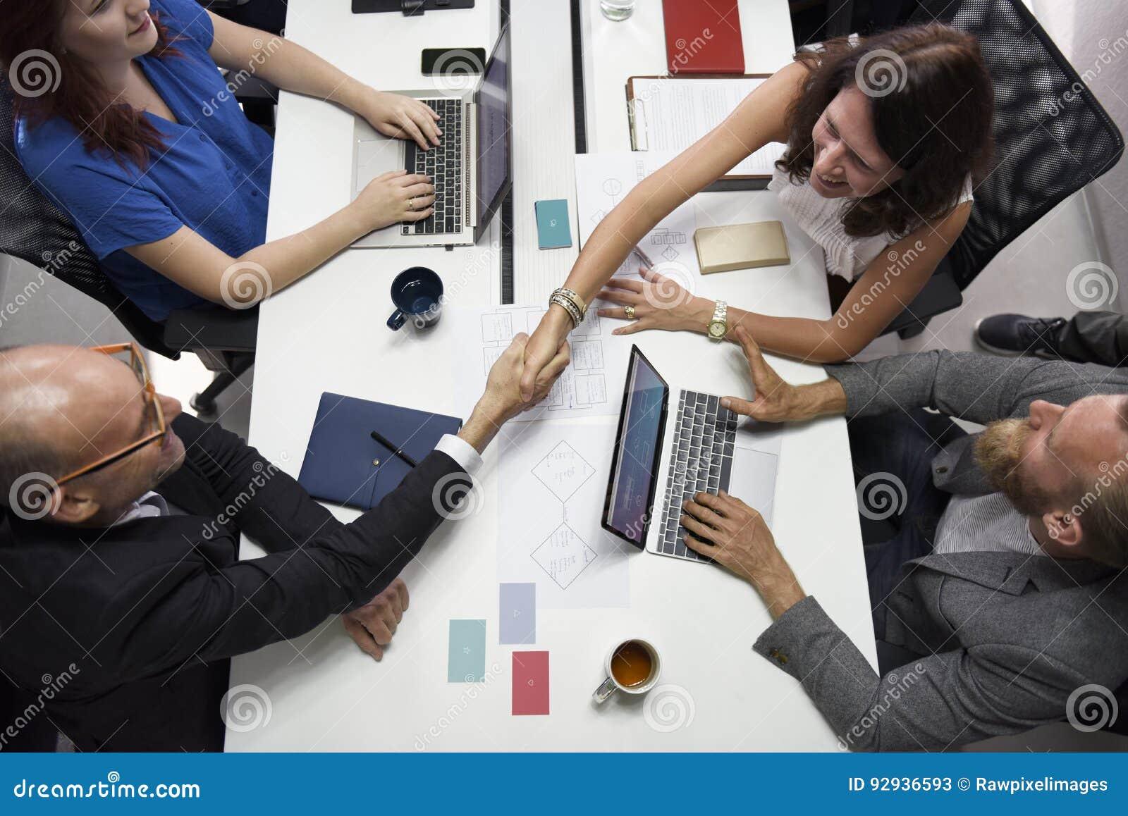 Negocio Team Brainstorming en taller de la reunión
