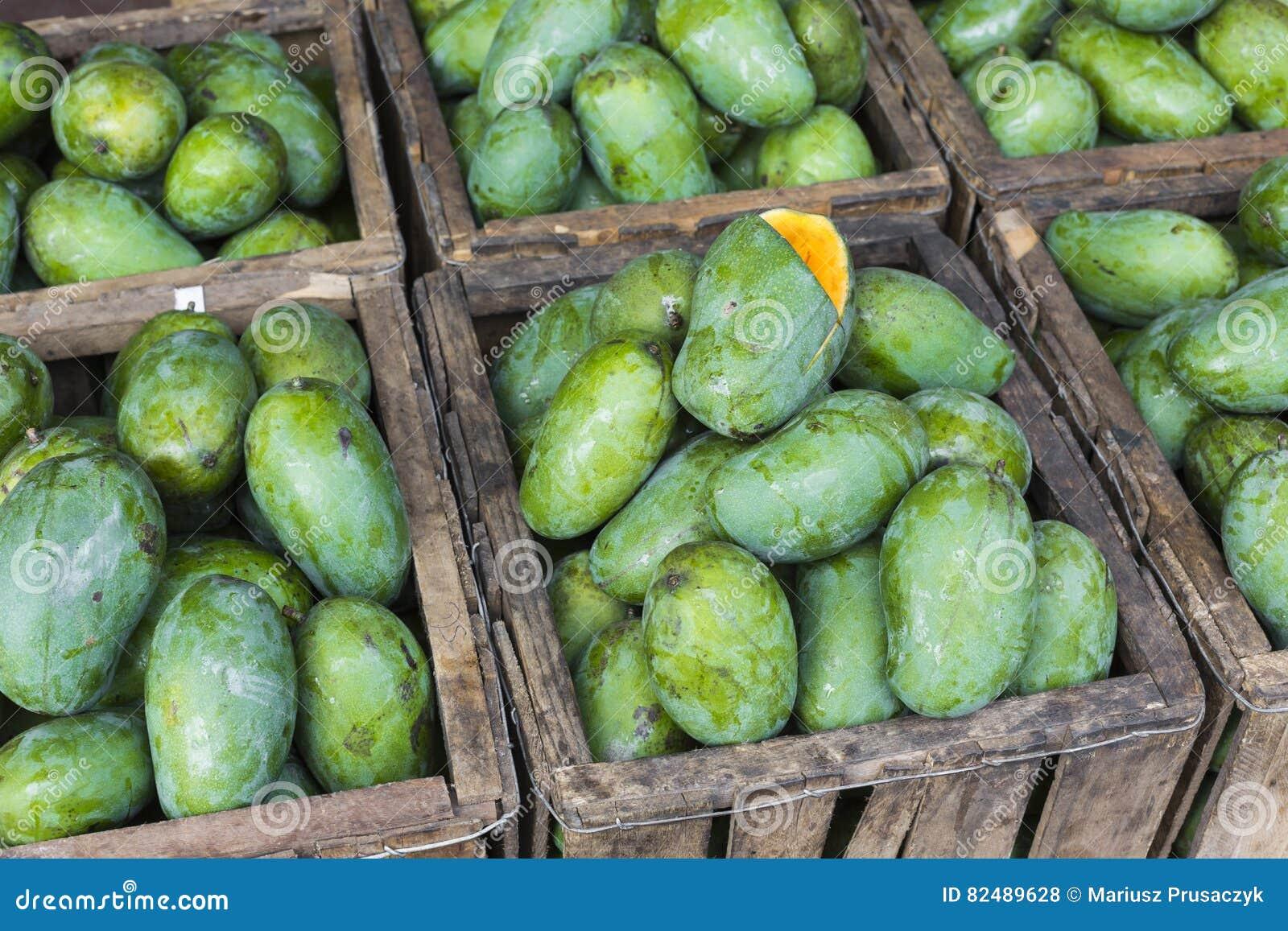 Negozio della frutta del mango nello Sri Lanka