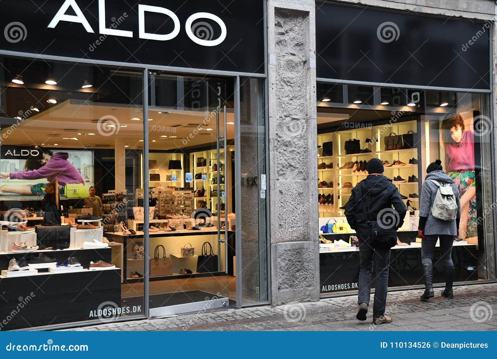 release date: 05210 cbfbb NEGOZIO DI SCARPE DI ALDO fotografia editoriale. Immagine di ...