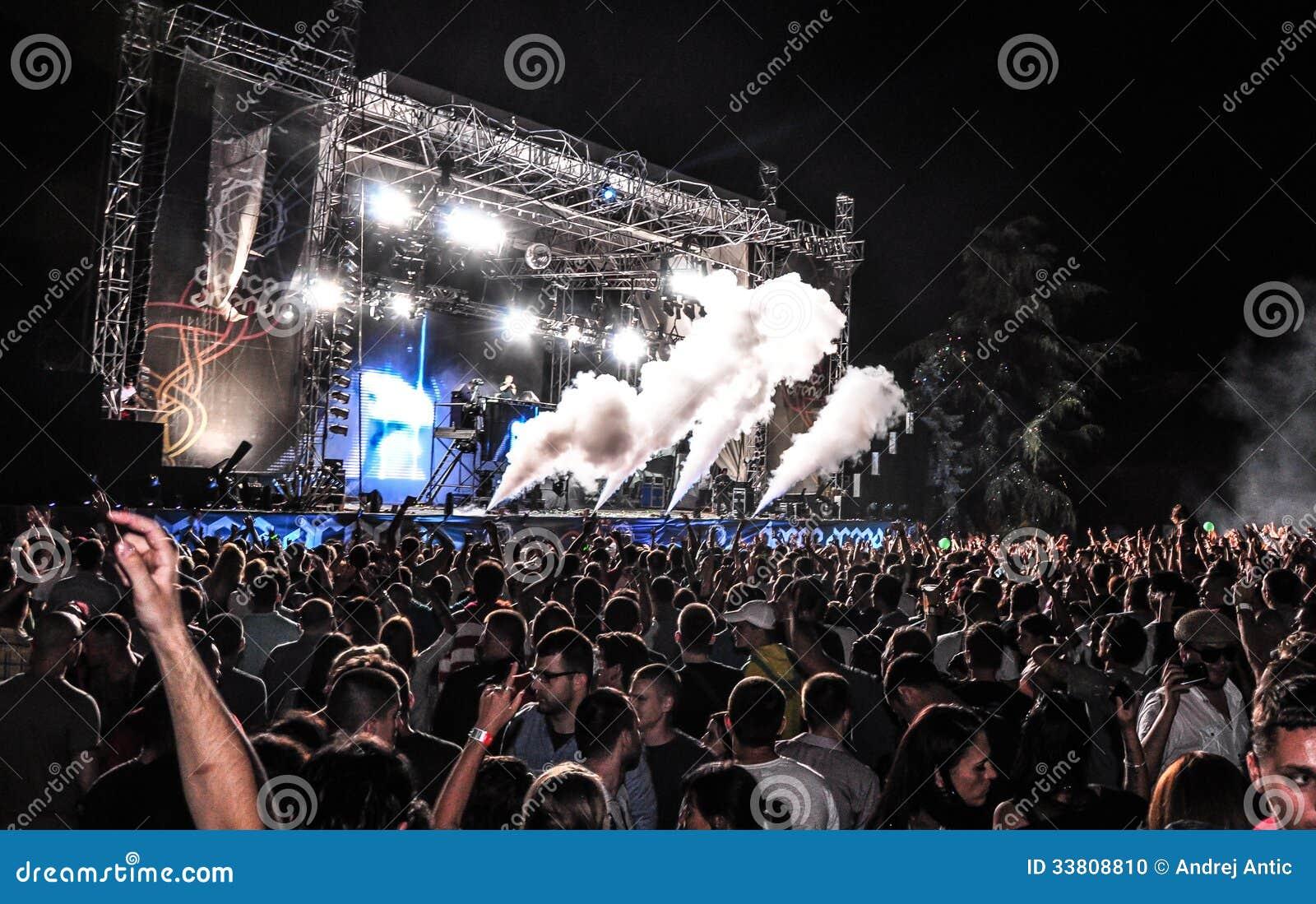 NEHMEN Sie Musikfestival 2013 heraus