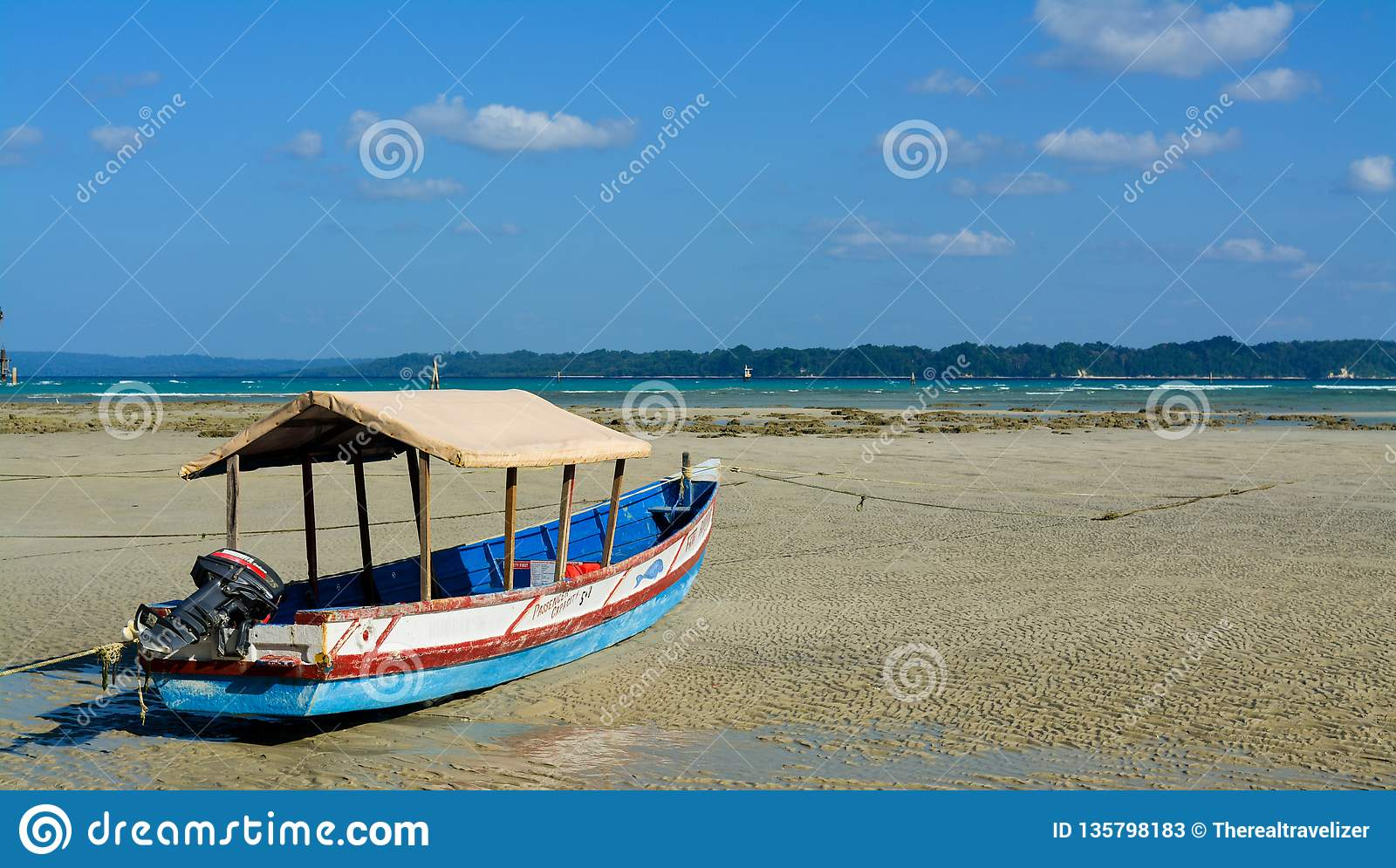 Neil Island, Inde - 30 novembre 2018 : Plage de Bharatpur sur Neil Island, partie d Andaman et îles de Nicobar en Inde