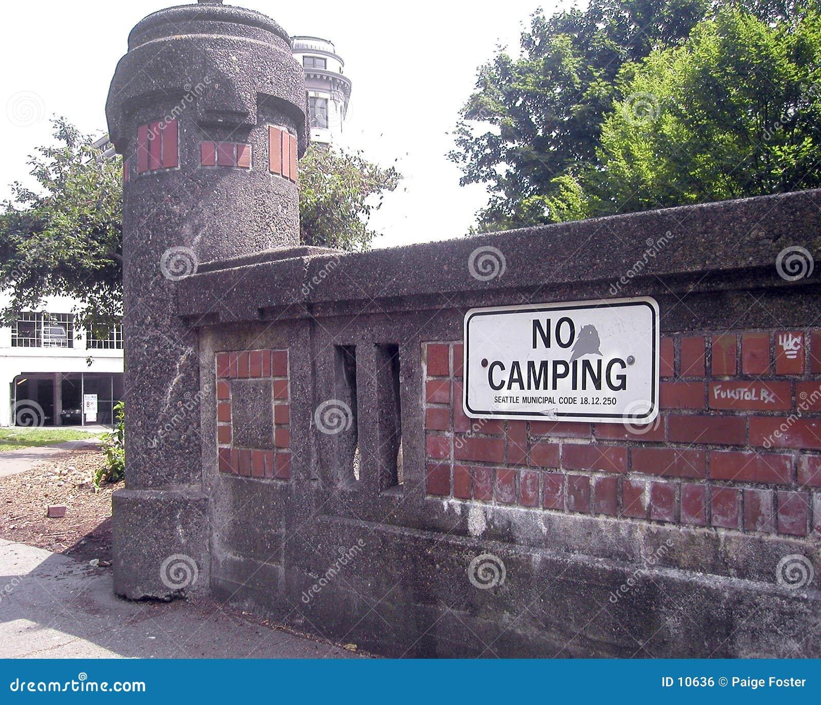 Nenhum sinal de acampamento