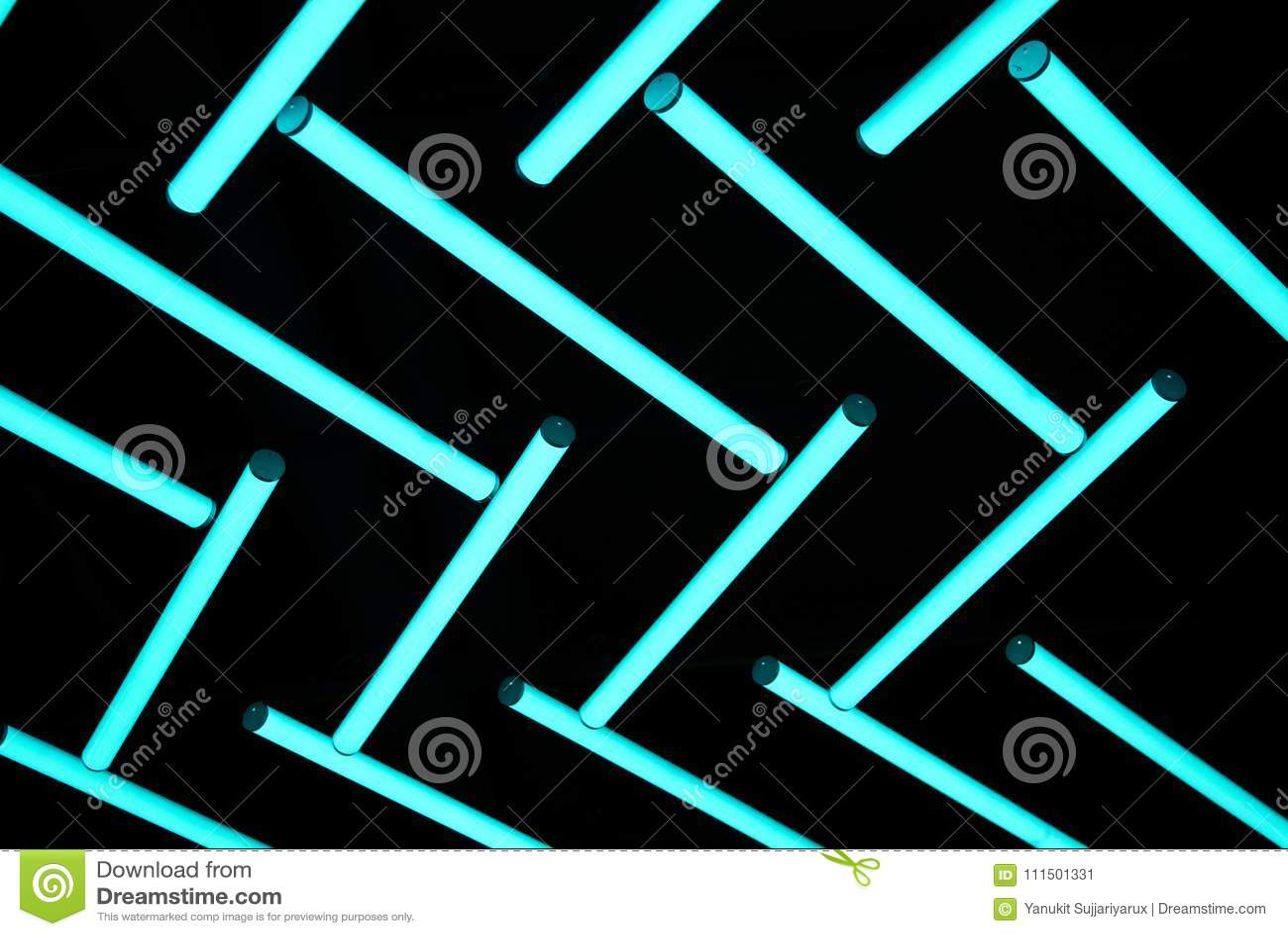 Neon-ligh Birne im dunklen Hintergrund