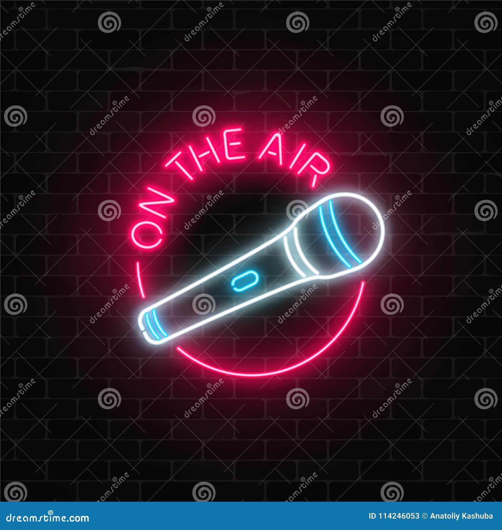 Neon på lufttecknet med mikrofonen i rund ram Nattklubb med symbolen för levande musik