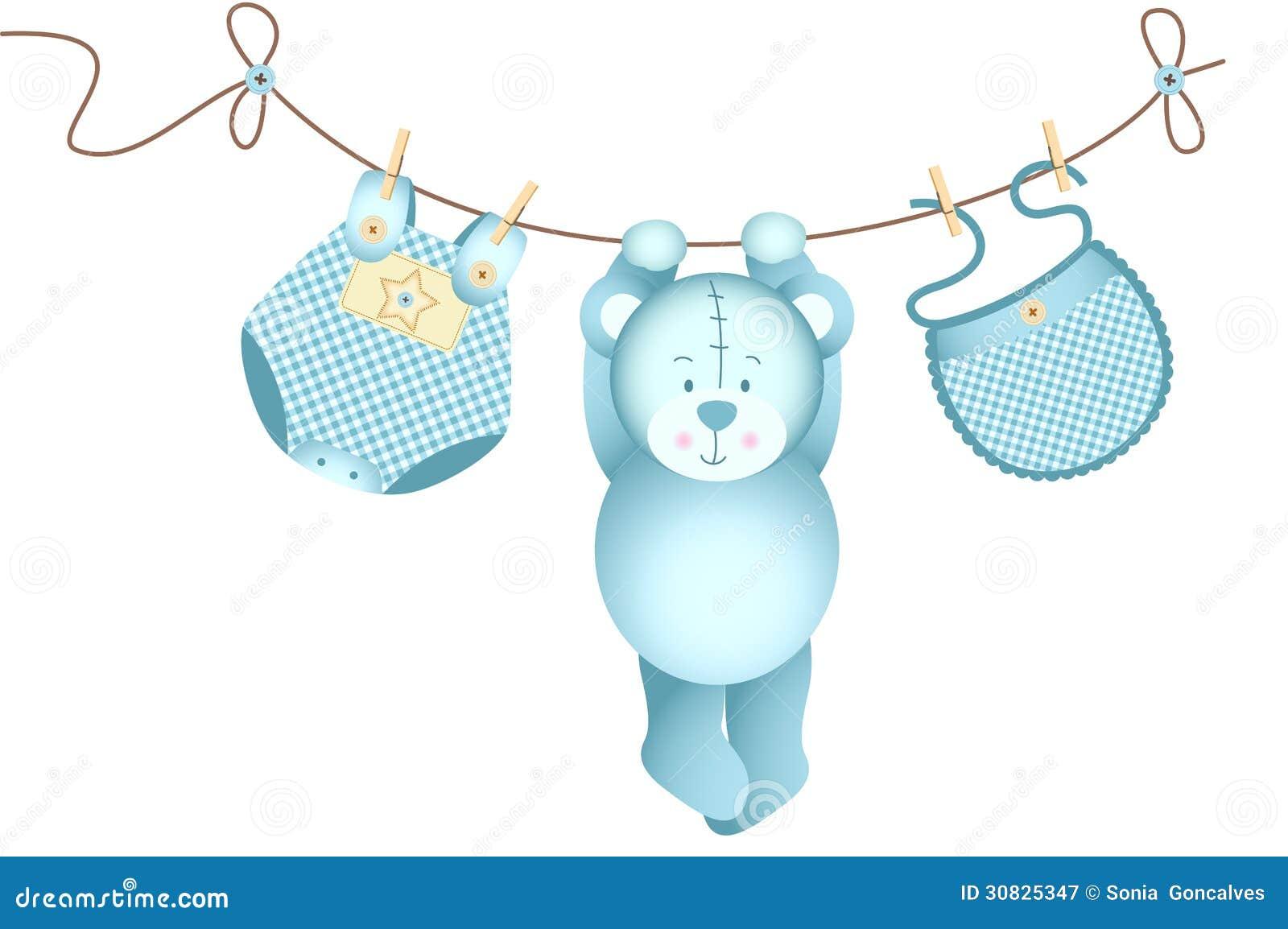 Neonato dell orsacchiotto che appende su una corda da bucato