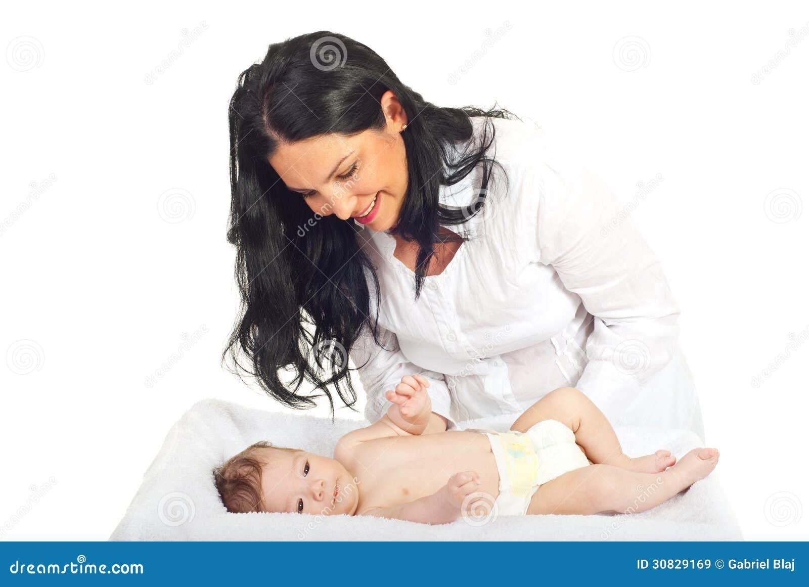 Neonato preoccupantesi della madre felice