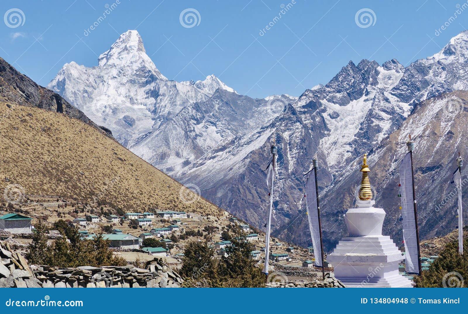 Nepal, Ama Dablan