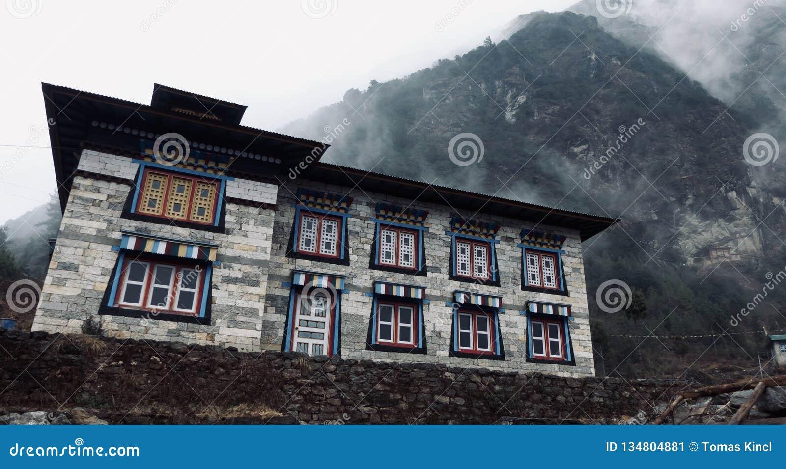 Nepal, construções históricas bonitas, maneira a Everest