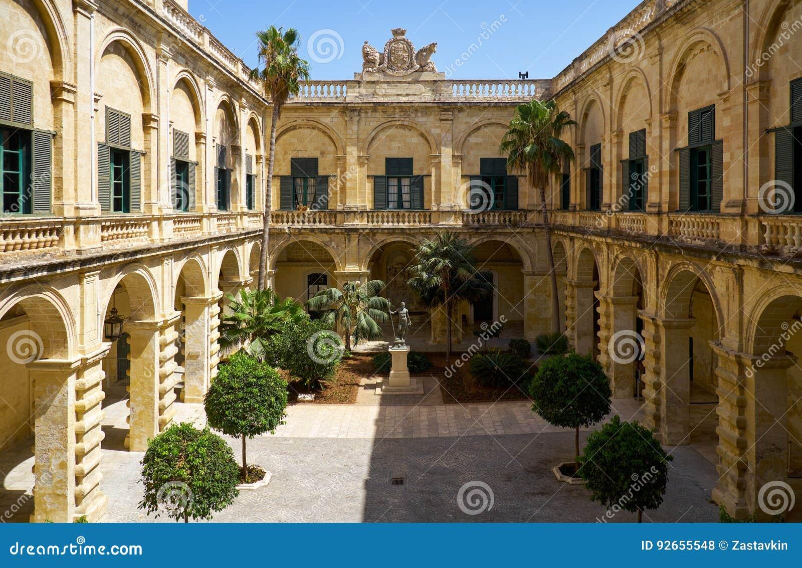 Neptune podwórze w Grandmaster ` s pałac valletta Malta
