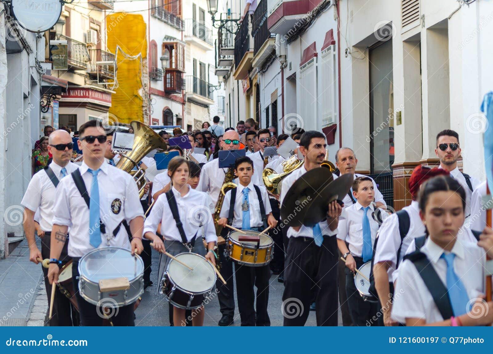 NERJA, ESPAGNE - 16 juillet 2018 défilé annuel dans l Andalu côtier
