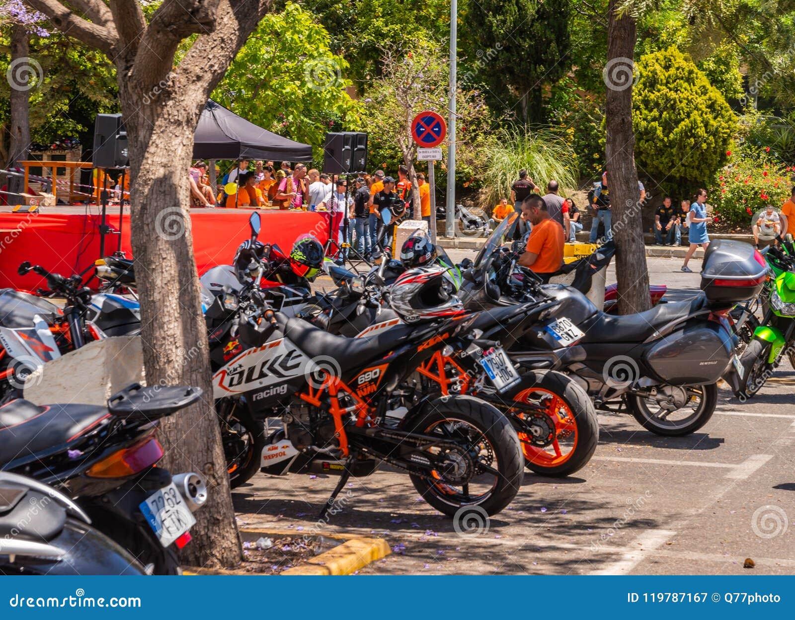 NERJA, ESPAGNE - 10 juin 2018 rassemblement de moto dans l Anda célèbre