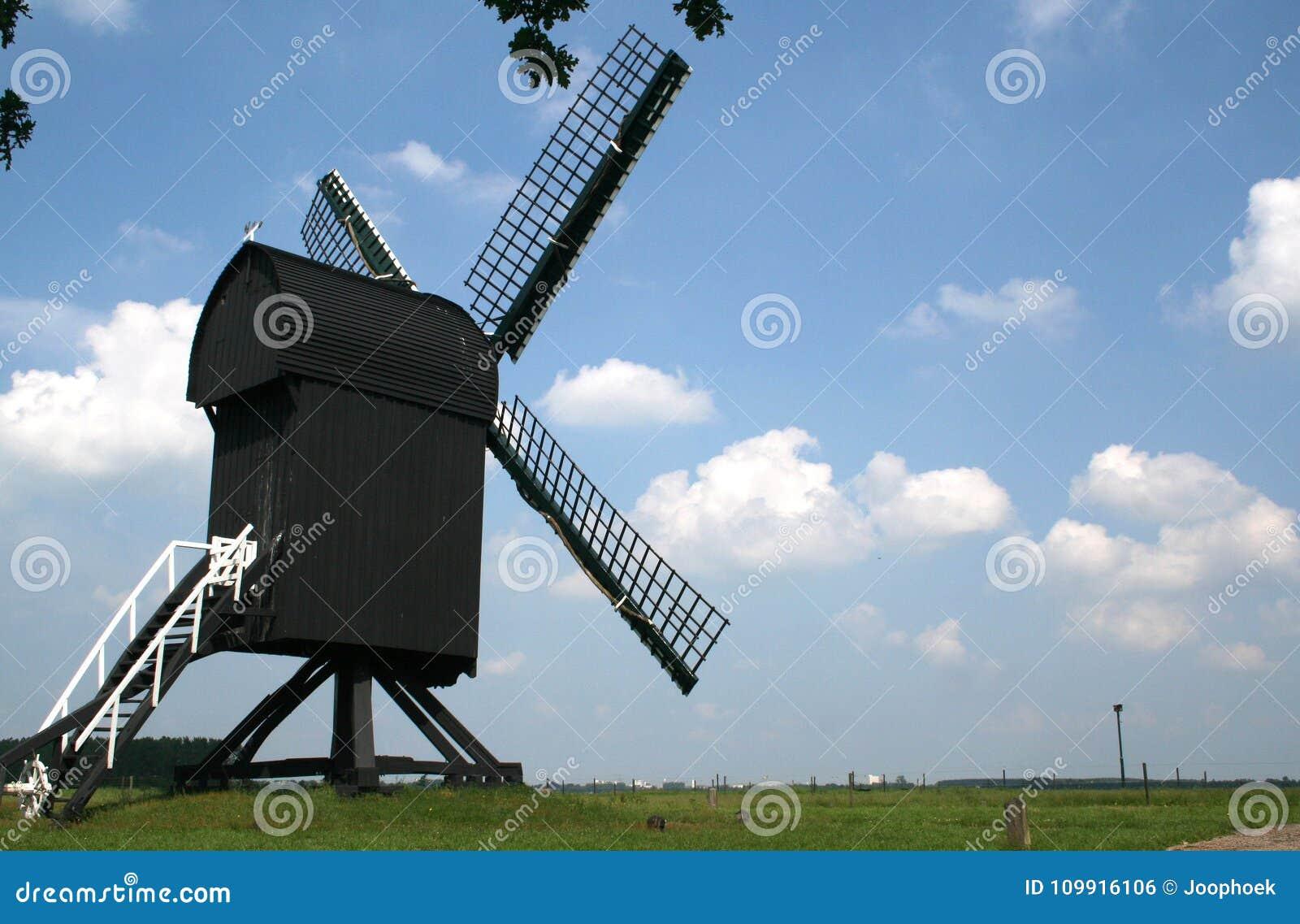 The post mill in Ter Haar
