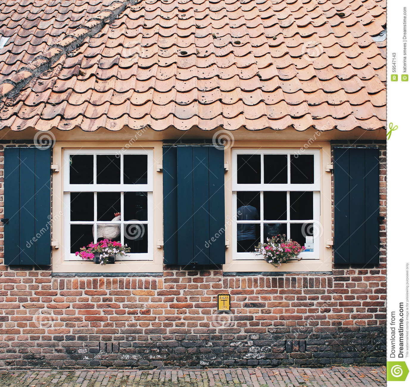 Old dutch style houses home design and style for Classic dutch house of 60m2