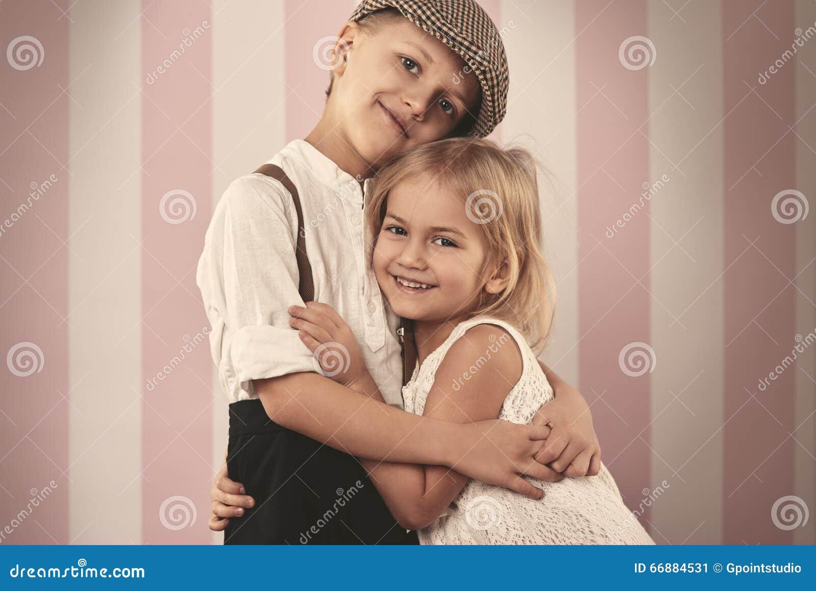 Nette kleine Paare