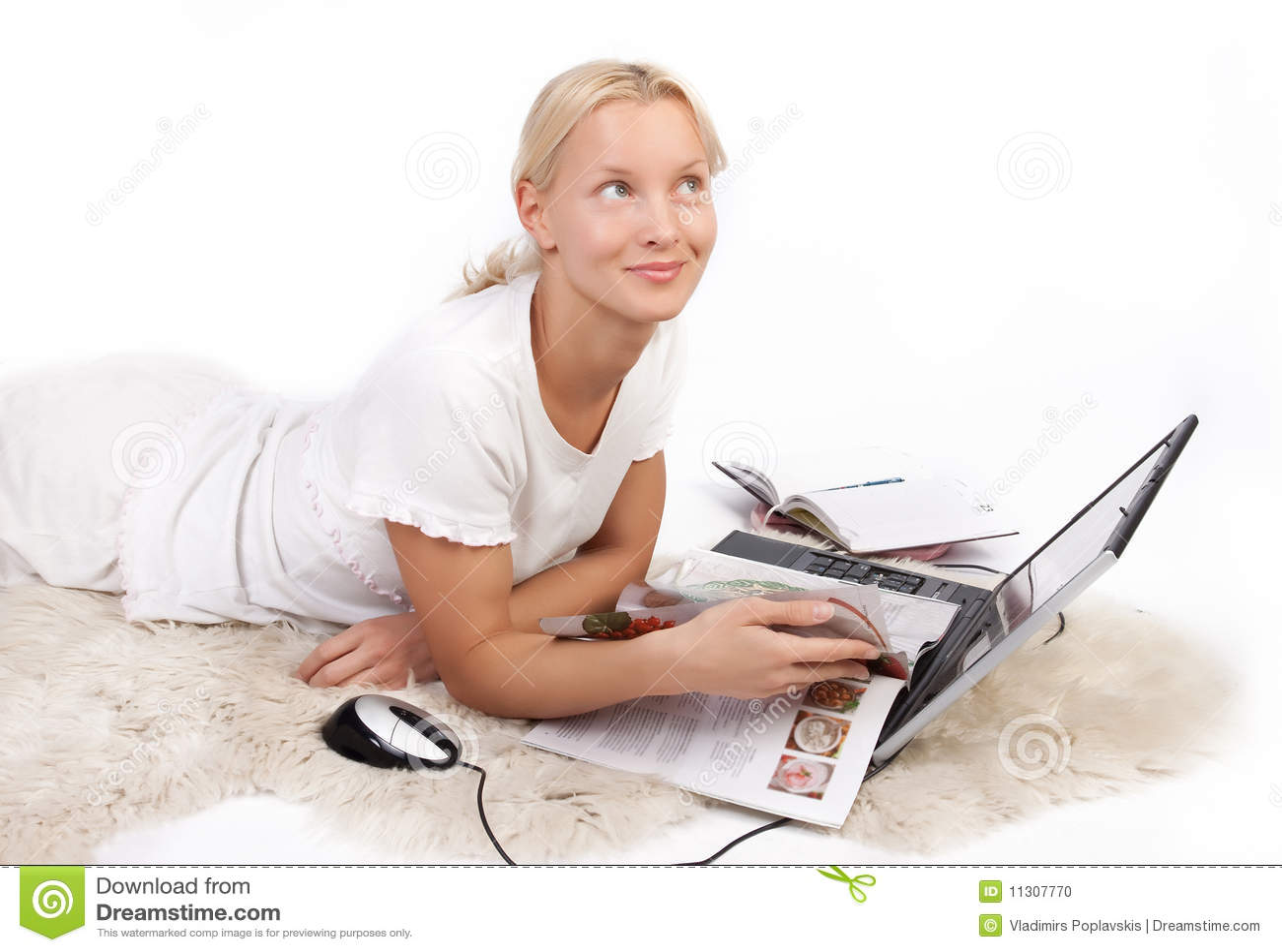 Nette Mädchenlesezeitschrift und -c$träumen