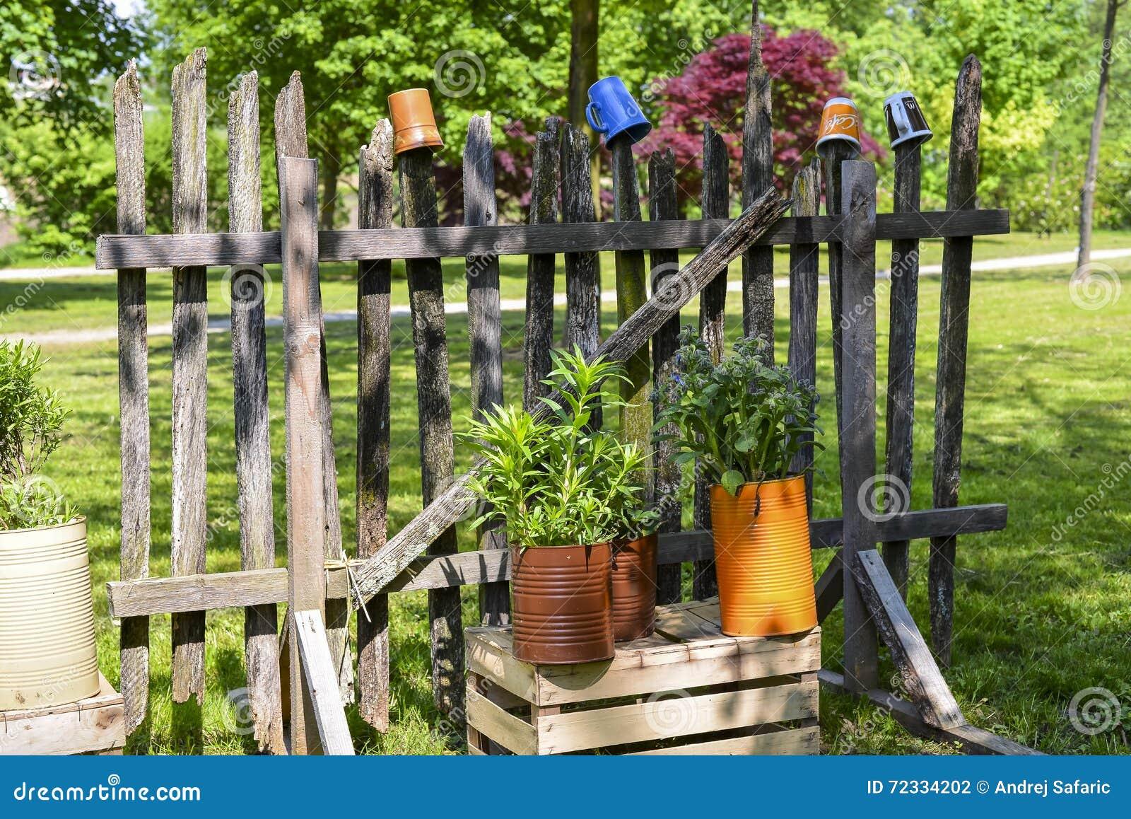 Netter Zaun Stockfoto Bild Von Park Betrieb Lustig 72334202