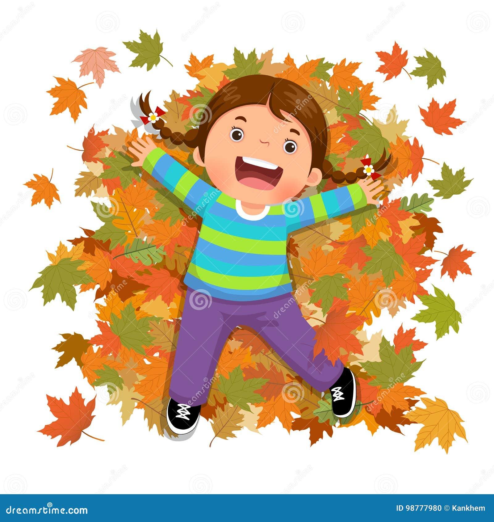 Nettes Mädchen, das mit fallenden Blättern spielt