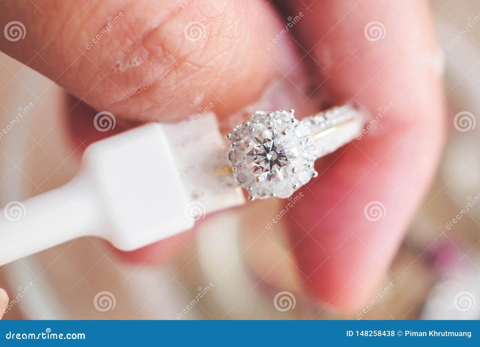 bague diamant bijoutier