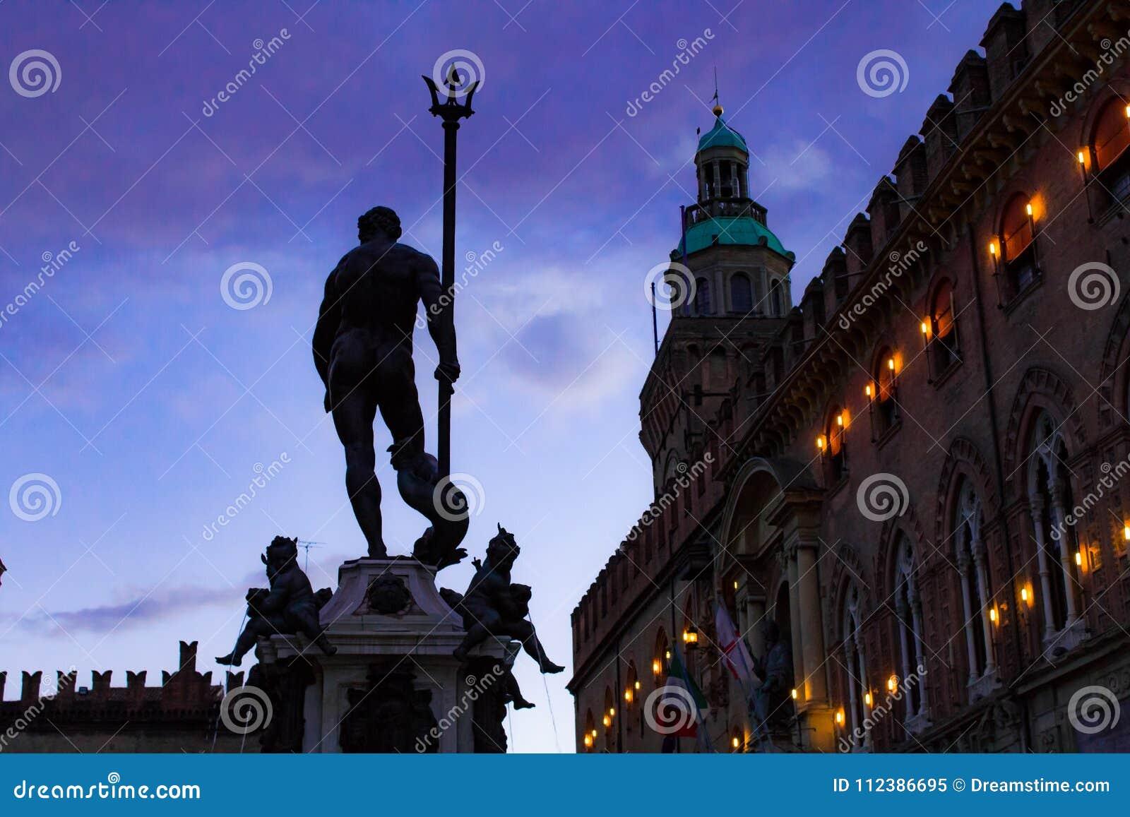 Nettuno na praça Maggiore - Bolonha