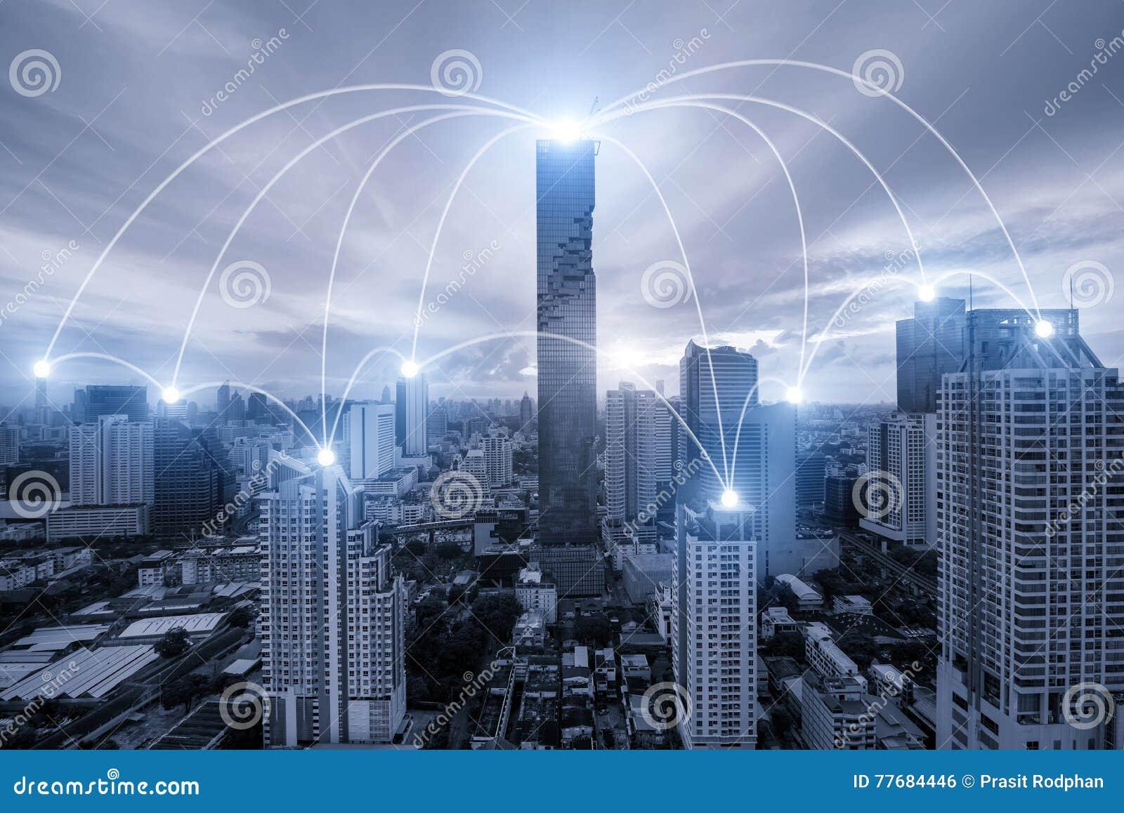 Netwerk bedrijfsconectionsysteem op de stad van Bangkok op achtergrond