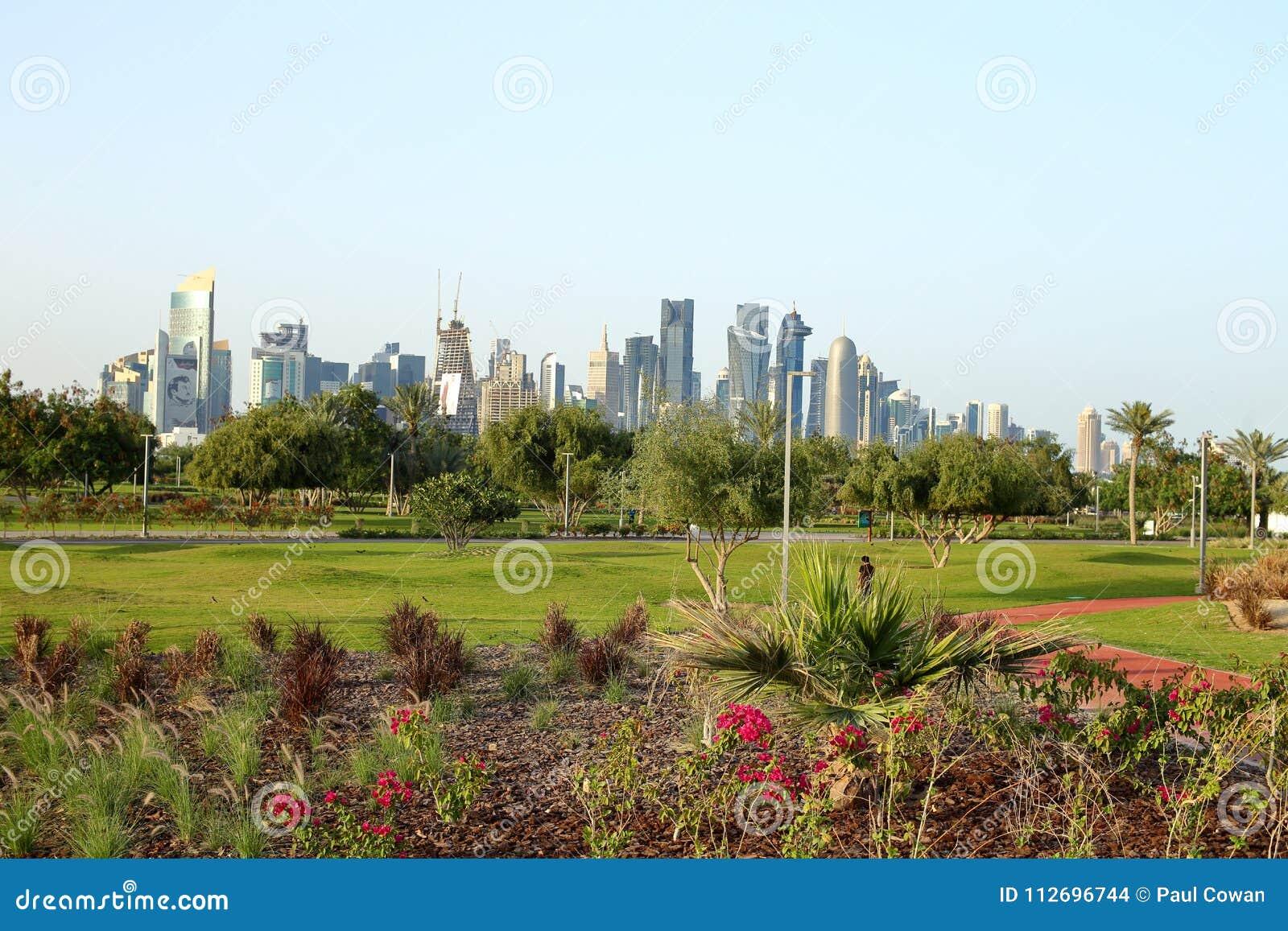 Neue Blumenbeete in Bidda-Park, Katar