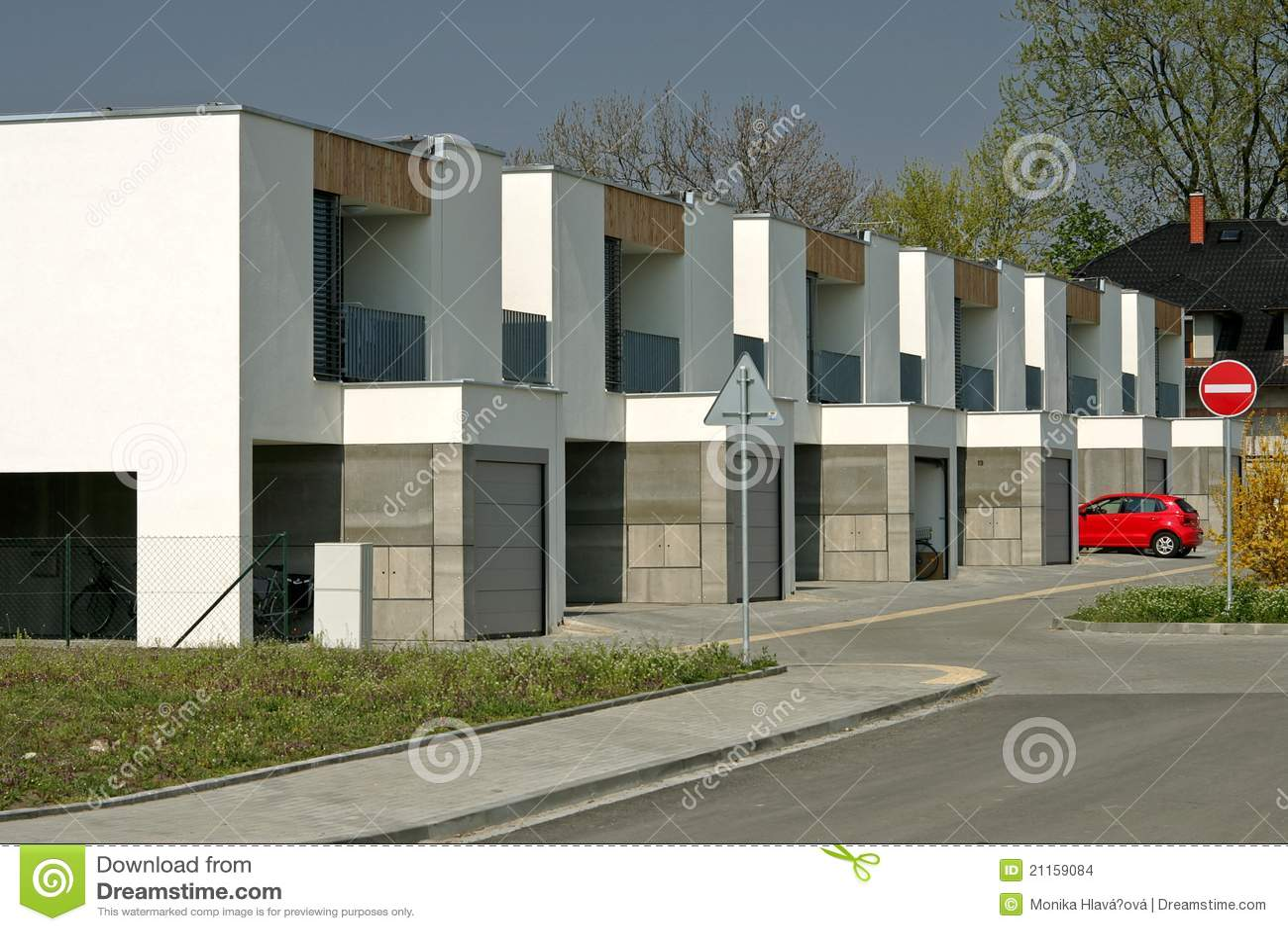 Neue Moderne Häuser Stockbilder - Bild: 21159084 size: 1300 x 957 post ID: 5 File size: 0 B