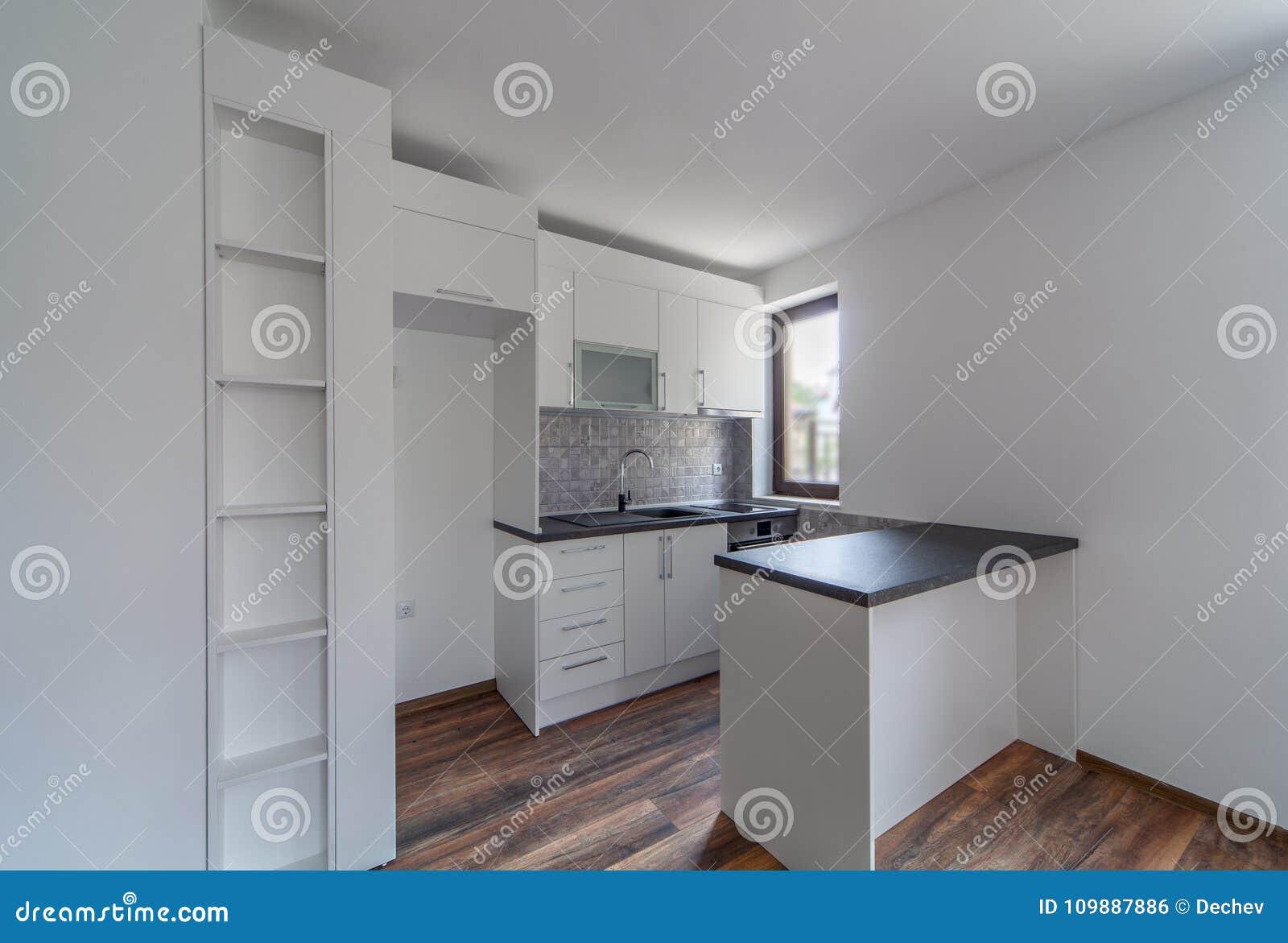 Fußboden Erneuern Ohne Küchenumbau ~ Fußboden zu weißer küche weiße küche mit dunklem fußboden u