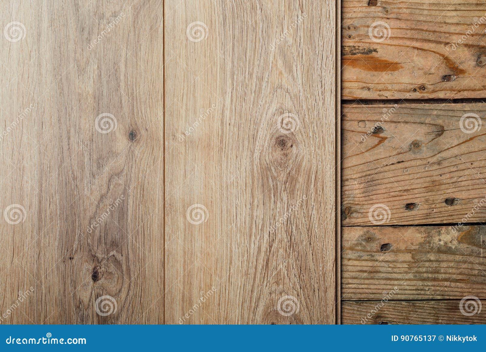 Fußboden Planken ~ Neuer lamellenförmig angeordneter bodenbelag über altem hölzernem