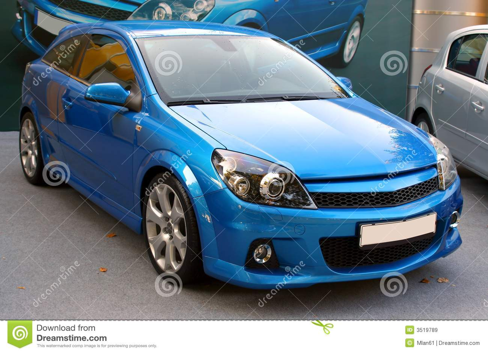 Neues blaues Auto