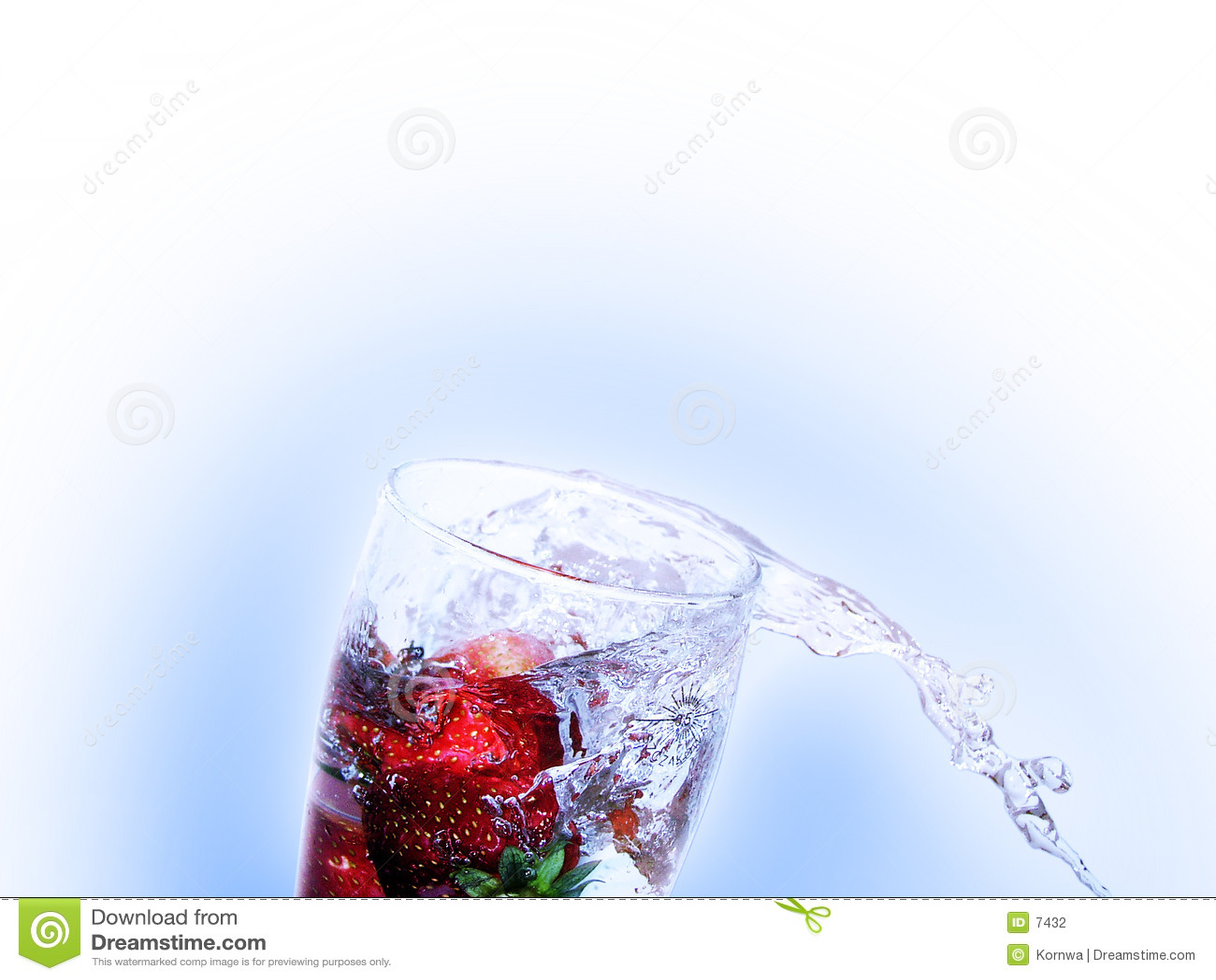 Neues Erdbeeregetränk