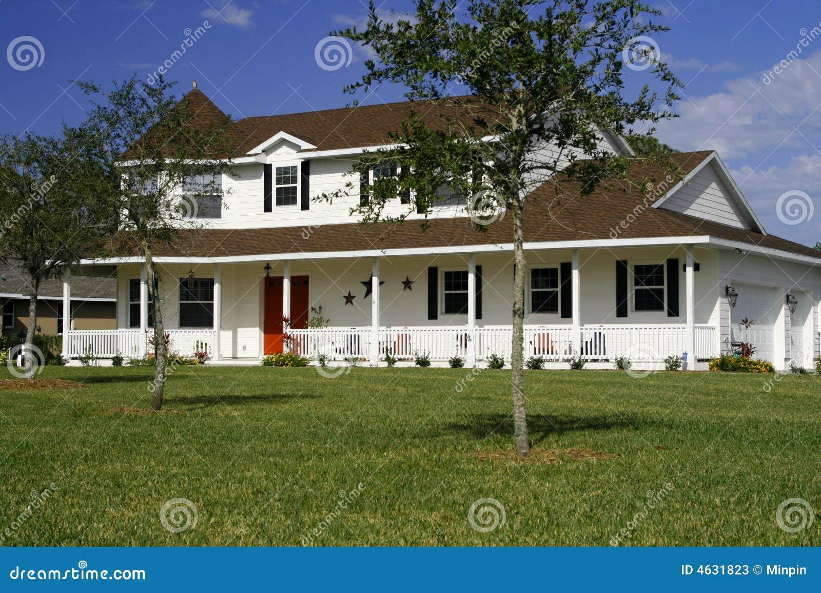 Neues Im Amerikanischen Stil Haus Stockbild - Bild von ...